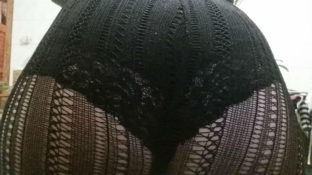 Black Slip mit Strumpfhose