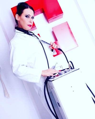Frau Dr. Jana