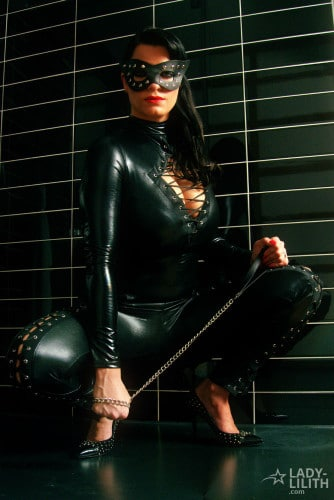 lady_lilith_catsuite_02