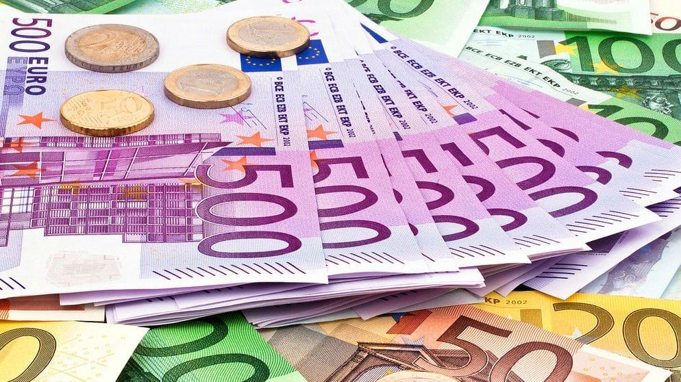 geld-geldscheine-euro100~_v-img__16__9__xl_-d31c35f8186ebeb80b0cd843a7c267a0e0c81647