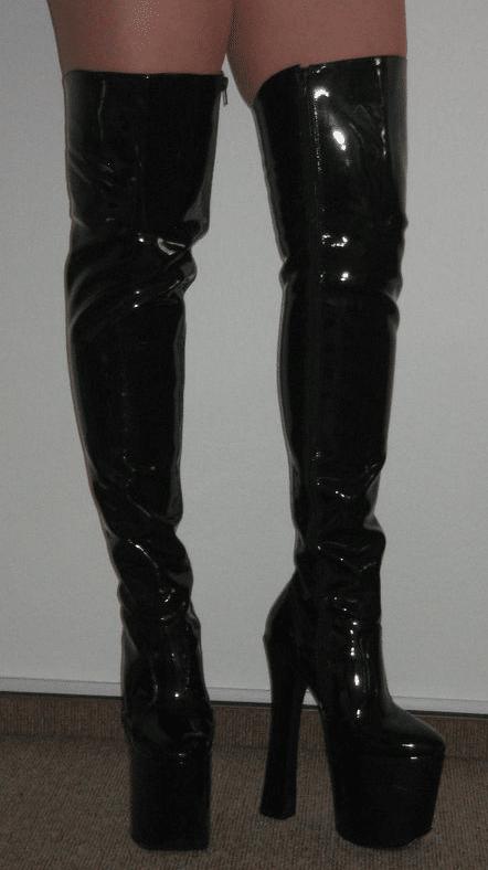 Maka albarn feet