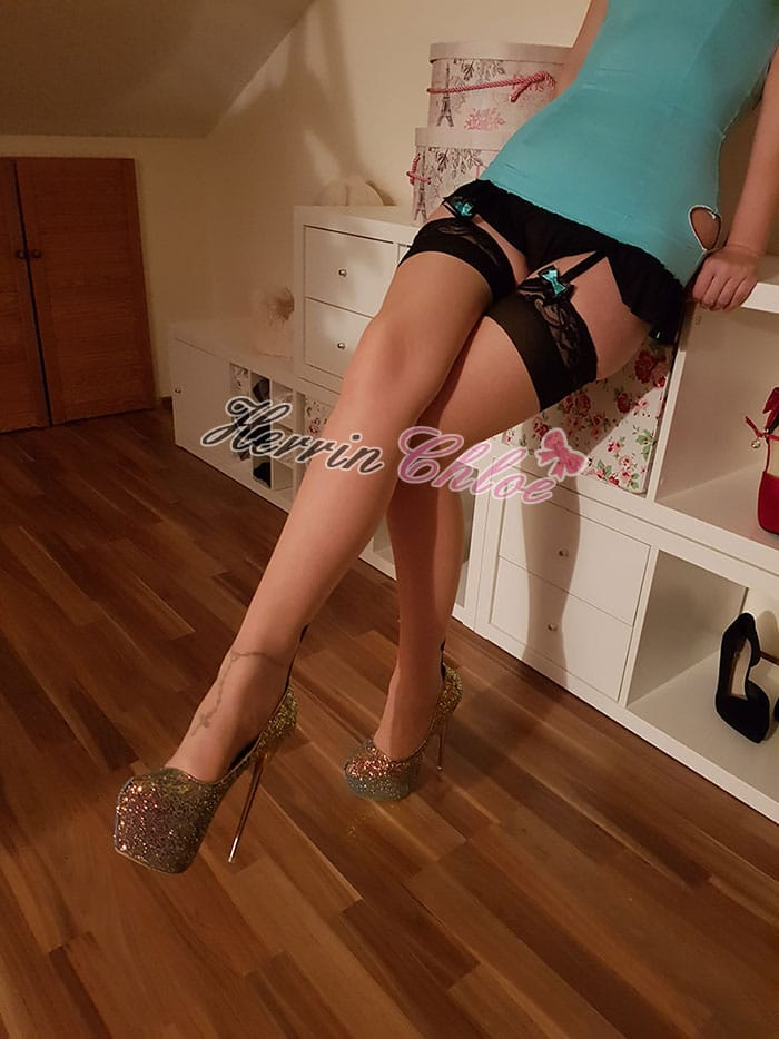 high-heels-nylons-herrinchloe